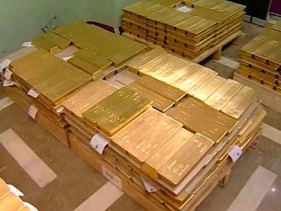 Как выгодней купить золото в банке?