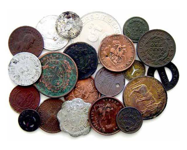 На чем носили старинные монеты