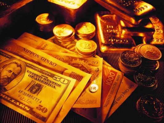 Золотые слитки, монеты, долларовые купюры - на золотом фоне