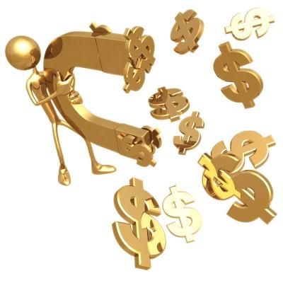 Золотой человечек, притягувающий на золотой магнит золотые значки доллара на белом фоне