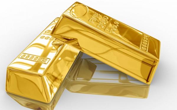 2 золотых слитка на белом фоне
