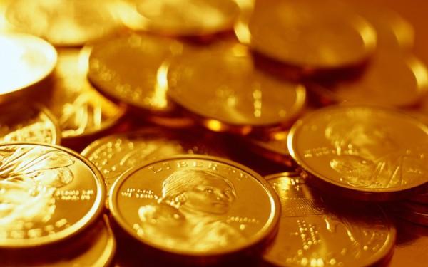Россыпь золотых  монет