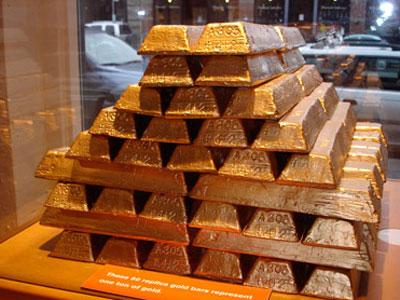 Стопка слитков золота