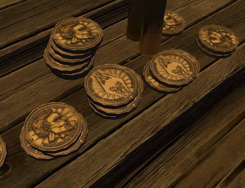 Золотые монеты на деревянной поврехности