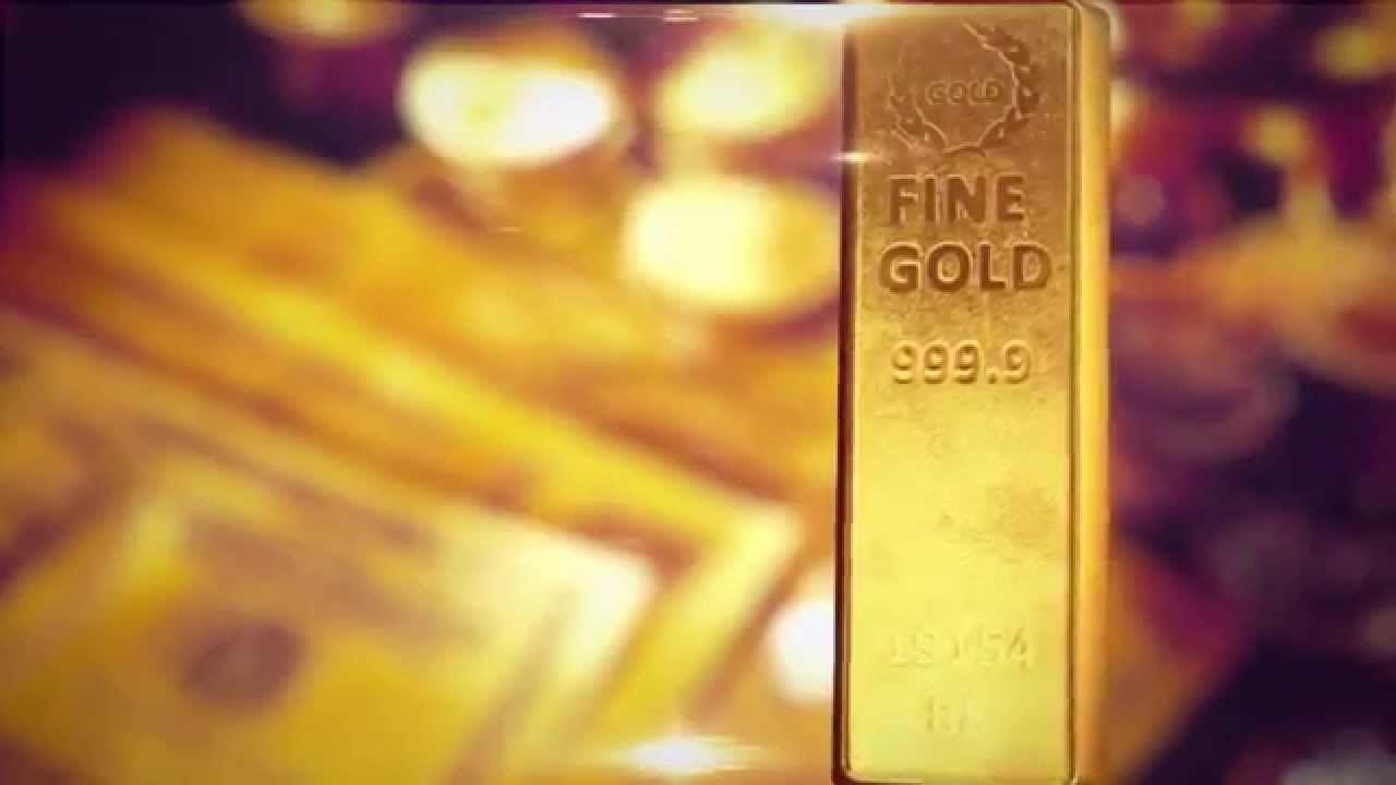 Слиток золота на фоне мутного изображения купюр долларов США