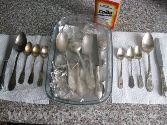 Чистка столового серебра содой и фольгой
