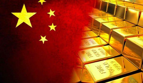 Флаг Китая и золото