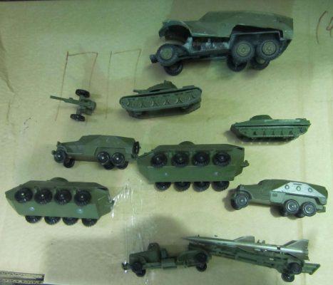 игрушечные танки и пушки времен СССР