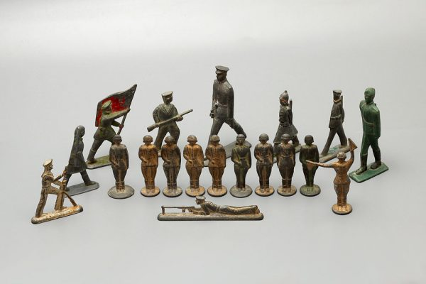 оловянные солдатики времен СССР