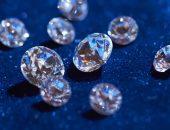 бриллианты на синем бархате