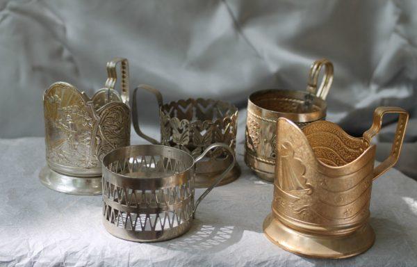подстаканники из разных видов металла