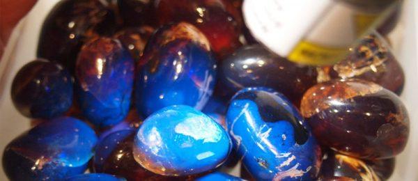 проверка янтаря на подлинность ультрафиолетом