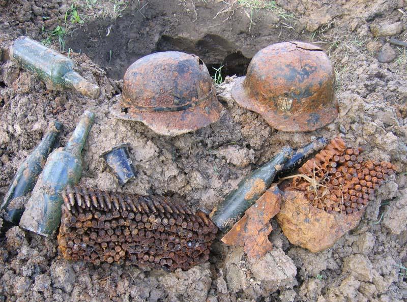 откопанное оружие и амуниция