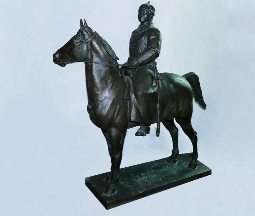 чугунная статуэтка Ворошилова
